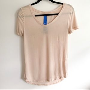 Kit and Ace V-neck tee